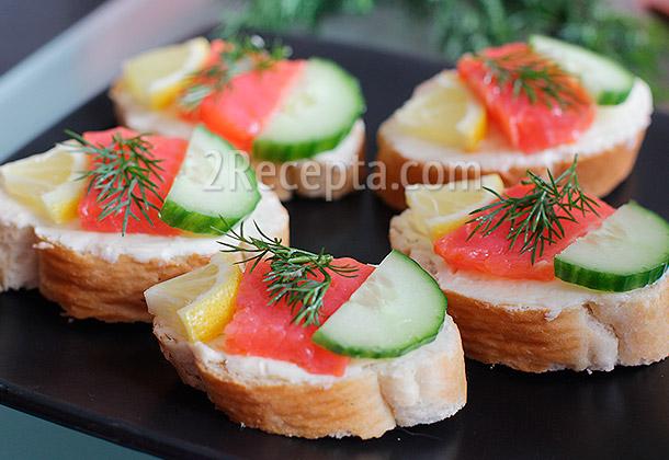 Бутерброд огурец с семгой 9
