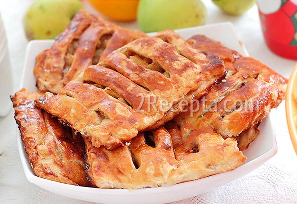 Пирог из слоеного теста с яблоками с пошаговым рецептом — 10