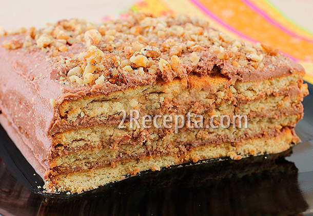 Торт без выпечки из печенья и творога с черникой